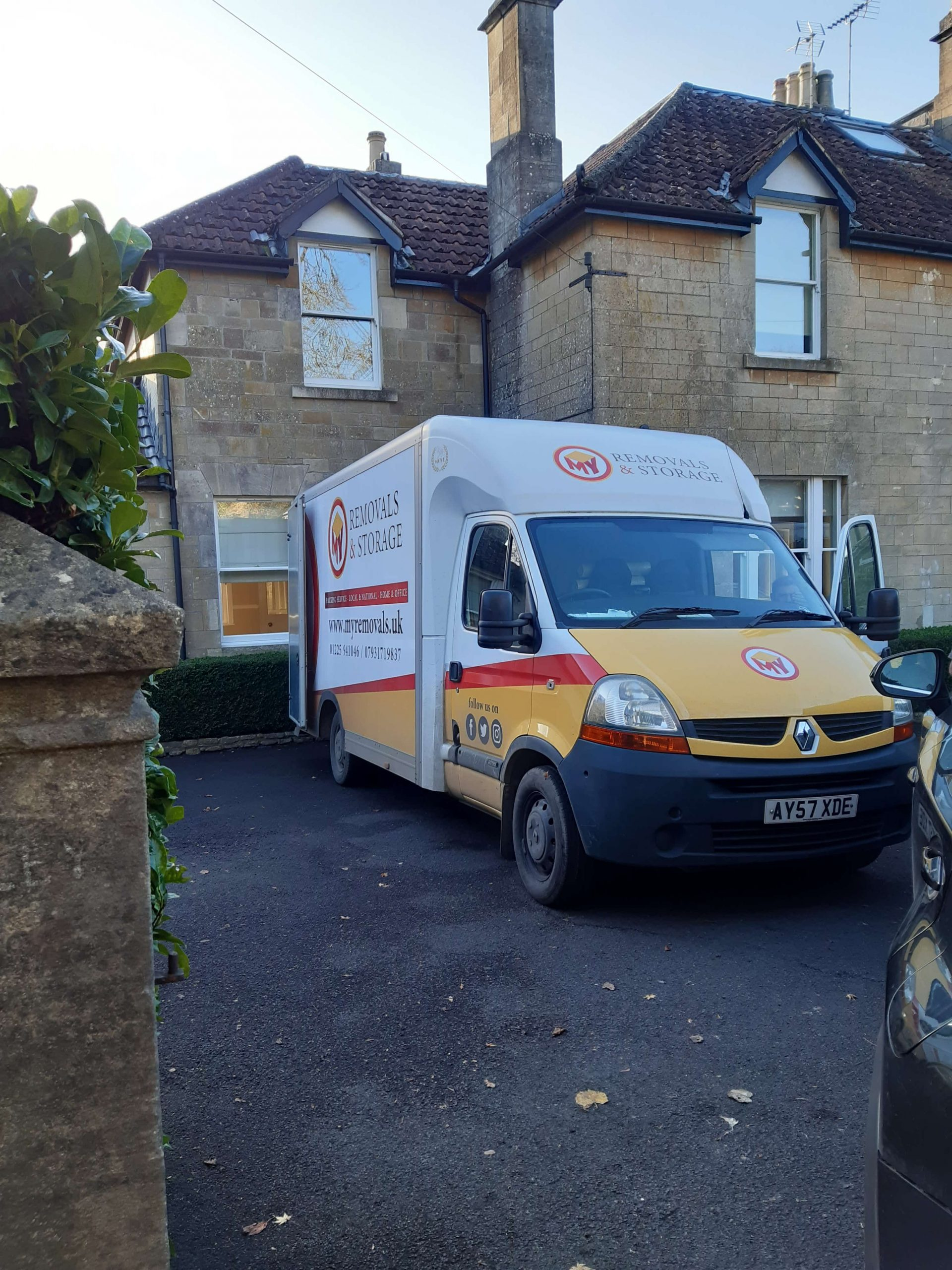 Removals and storage van in bath